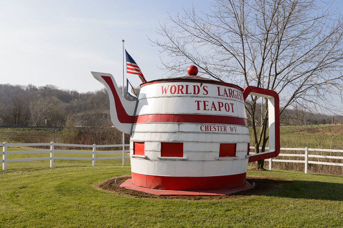 5) World's Largest Teapot in Chester, West Virginia
