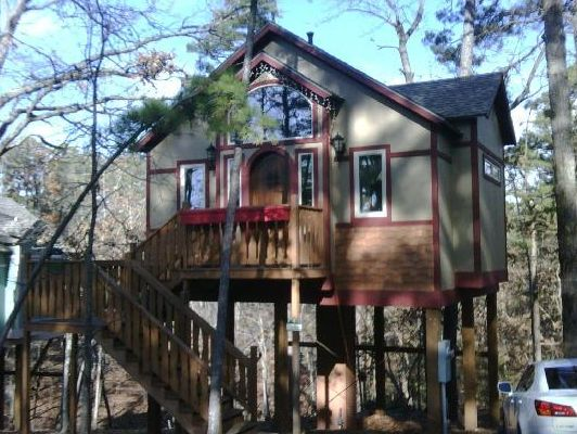 1. The Grand Treehouse Resort: The Grand Treehouse Resort is nestled in the middle of a wild life forest about five minute's drive to historic Eureka Springs.