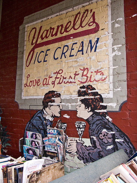 8. Yarnell's: A perennial Arkansas favorite founded in 1932, the company's corporate headquarters were located along the east side of Spring Park in downtown Searcy, Arkansas. The company was also the only independent ice cream company in the state.