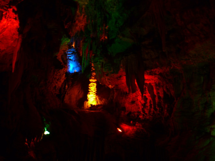 8. Beautiful AND spooky at the same time - Meremac Caverns