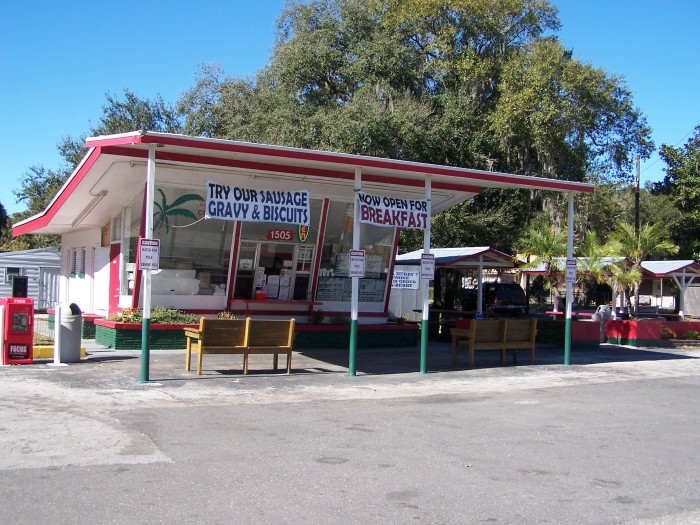 6. Strawberry Hut Sandwich Shoppe