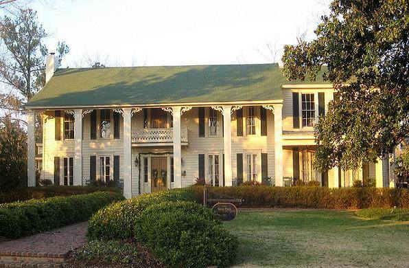 11 mississippi homes rich in history for Home builders mississippi