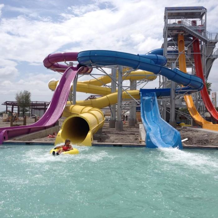 4) Hawaiian Falls Waterparks