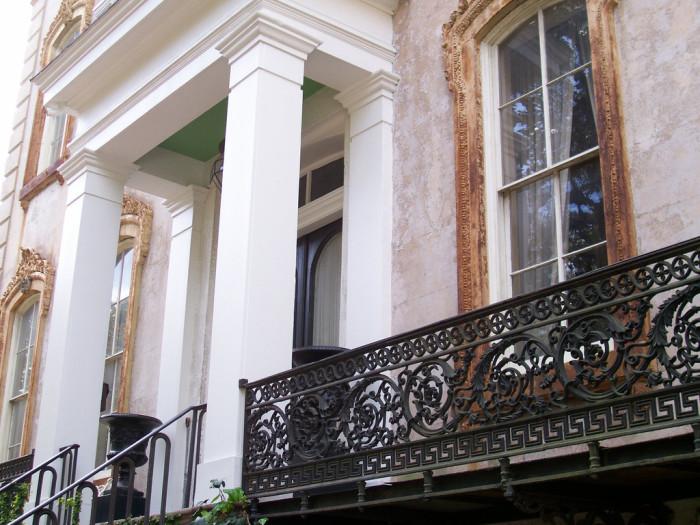 4) A beautiful house in Savannah