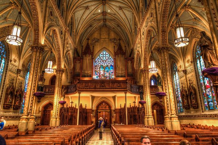 10) Shrine Church of St. Stanislaus Church (Cleveland)