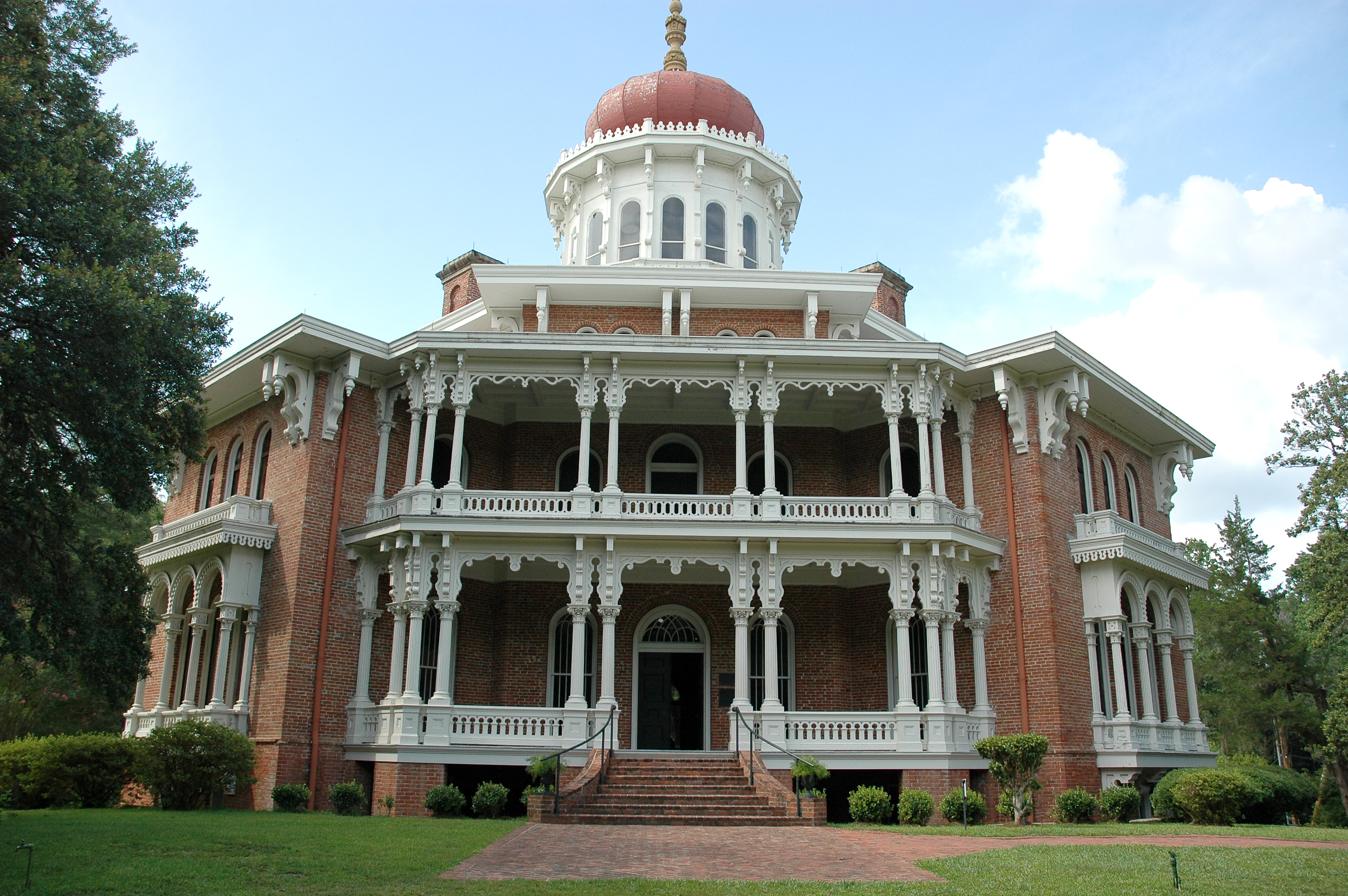 11 mississippi homes rich in history for Home builders ms