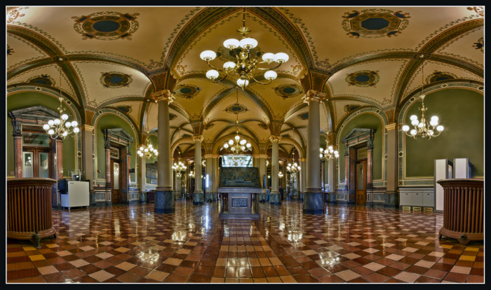 14. Go on a grand tour of the State Capitol Building.