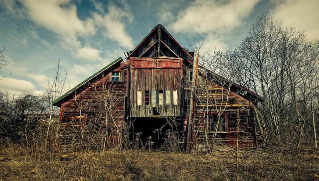 9. This beautiful barn is an amazing sight, yet I wouldn't trust the floorboard if I were to venture inside.