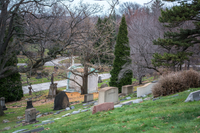 3) Lake View Cemetery (Cleveland)