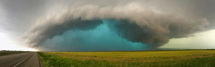 6) An unbelievable panoramic view of a powerful Texas supercell in Weinart.