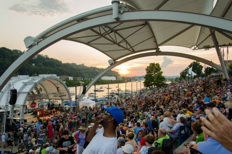 9. Enjoy the music and atmosphere at Live on the Levee (in Charleston).