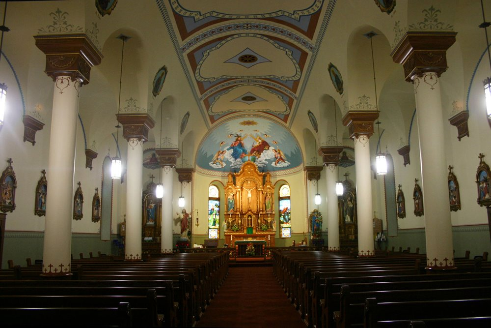 10 Beautiful Kansas Churches