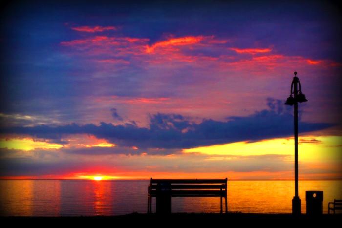 4 The sun offers a fantastic color-show.