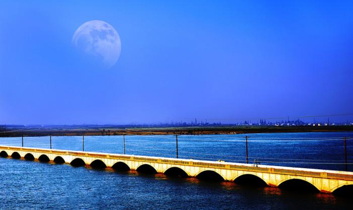 11) Galveston Causeway (Galveston)