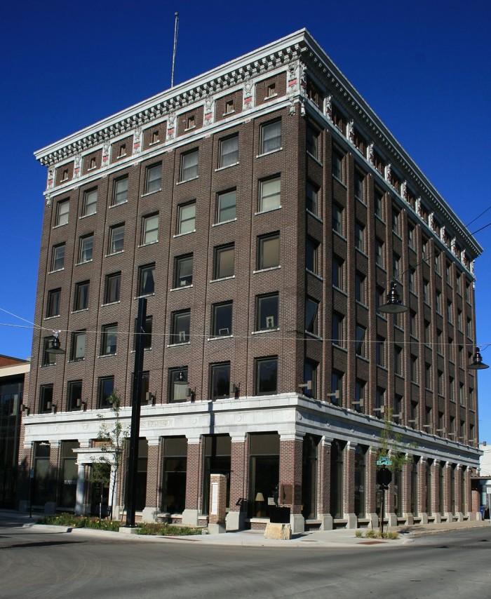 3. John Dillinger robbed a bank in Mason City