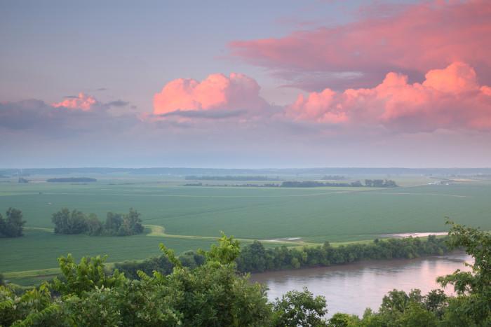 1.) See Kansas, Missouri, Nebraska and Iowa all at the same time.