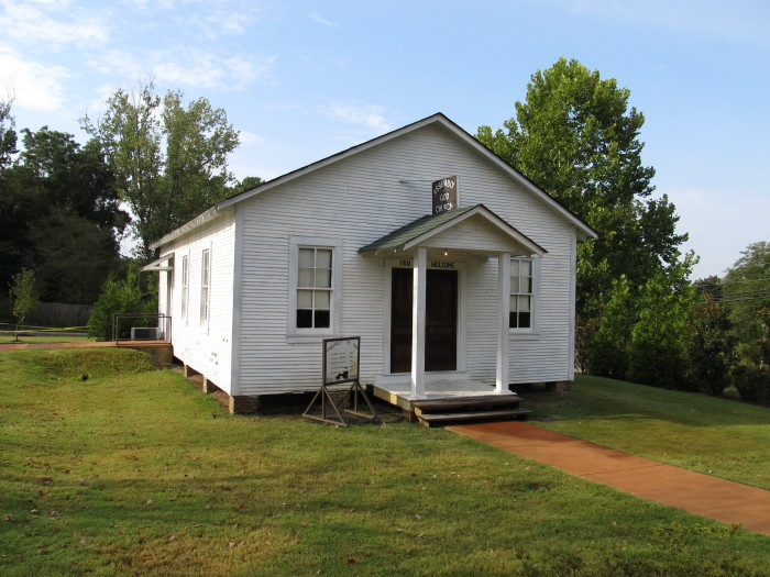 4. Elvis Presley Home in Tupelo