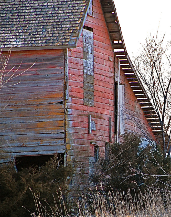 9. An Old Red Barn, Aged to Perfection
