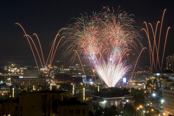 6) Atlanta Fantastic Fourth Celebration: Thursday, July 2-3, 2015 1000 Robert E. Lee Blvd Atlanta, GA