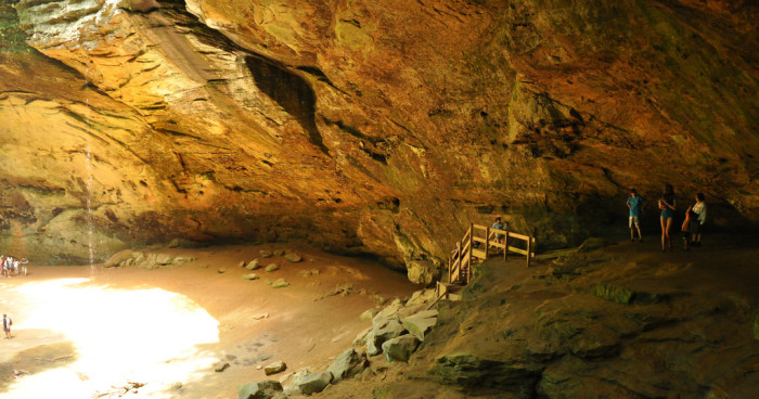 Are there caves in Ohio?