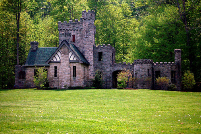 7) Squire's Castle (Cleveland Metroparks)