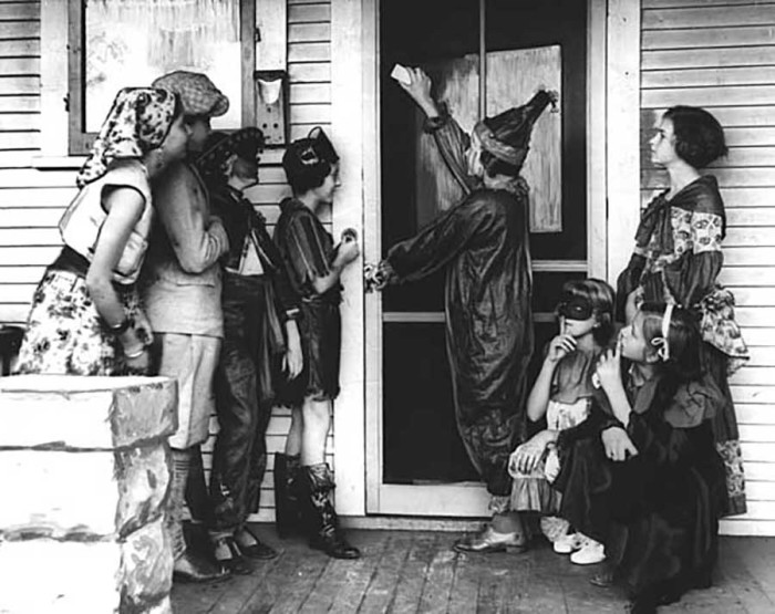 Image result for images vintage halloween trick or treaters