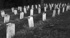 8 Eerie Mississippi Cemeteries To Visit If You Dare