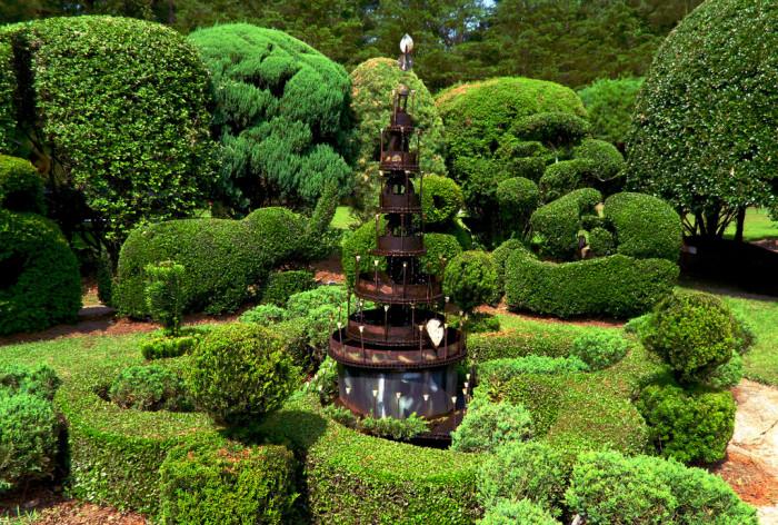 6. Pearl Fryar's Topiary Gardens, Bishopville, SC
