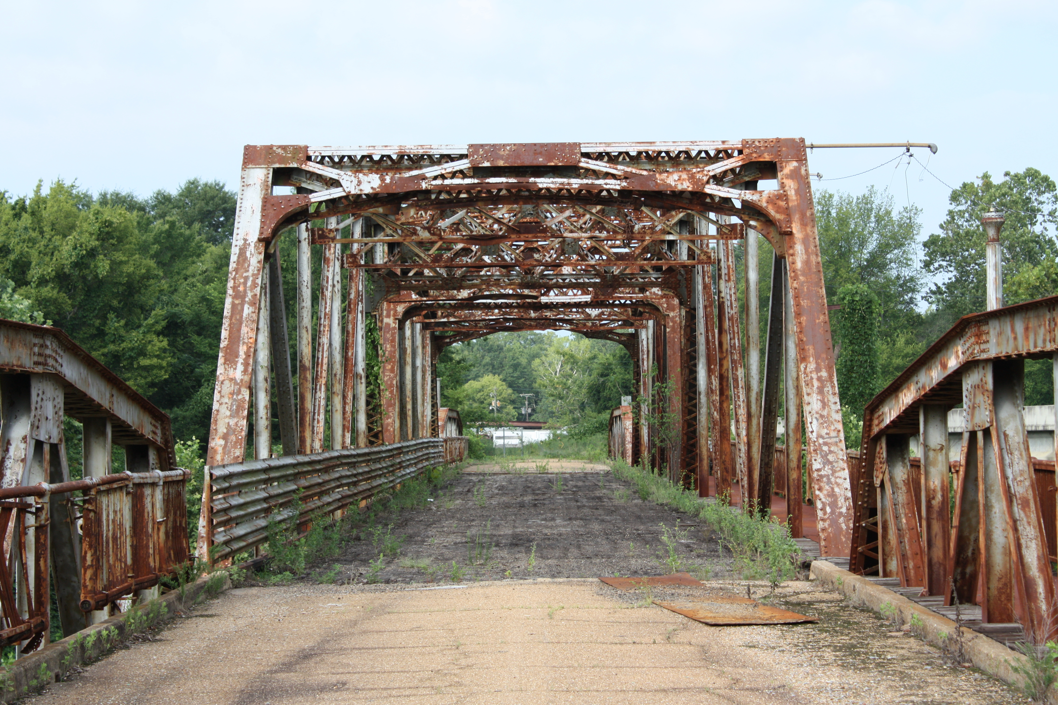 8 Super Creepy Unsolved Mysteries in Mississippi