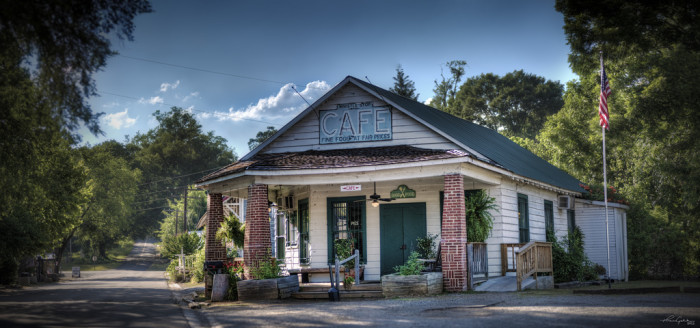 """6) The Whistle Stop Cafe in """"Fried Green Tomatoes""""."""