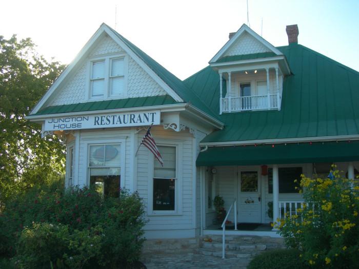 5) Original Texas Chainsaw Massacre House (Kingsland)