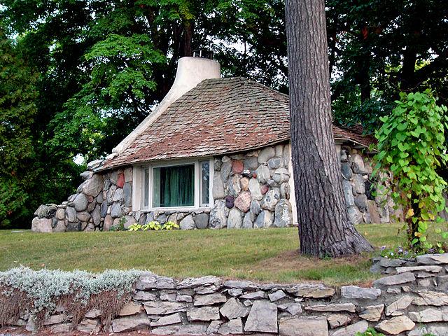 7) Mushroom House, Charlevoix