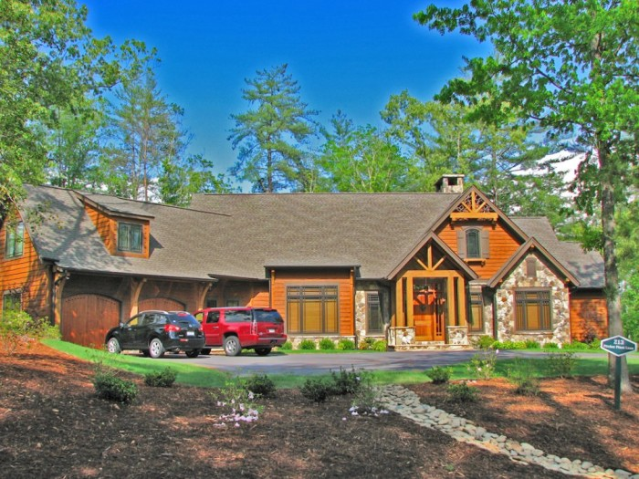 9. Marvelous House, Lake Keowee, SC