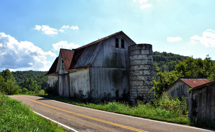 13) Old barn along St. Rt. 618 (Meigs County)