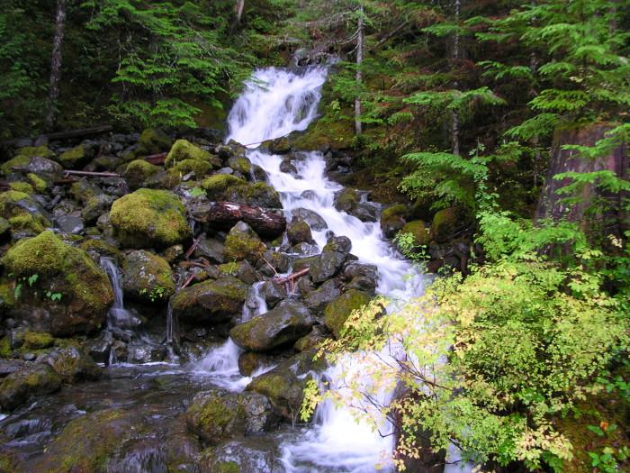 10. Upper Lena Lakes Trail
