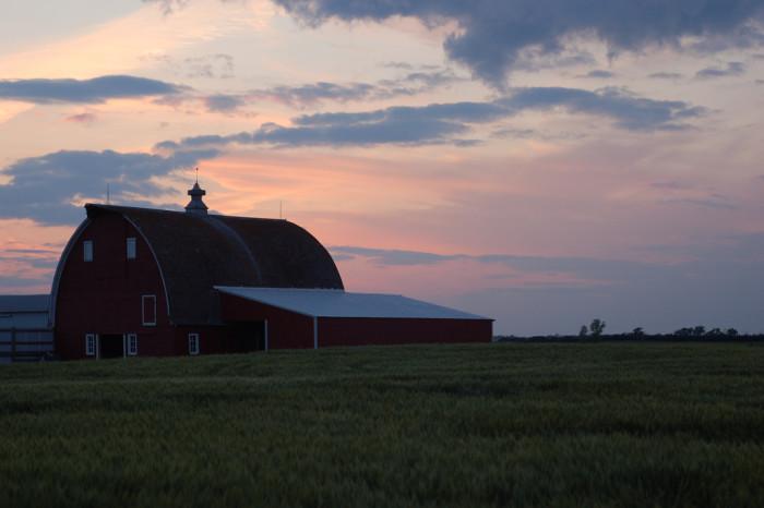 10. A beautiful barn plus a beautiful North Dakota sunset always equals perfection!