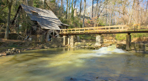 These 12 Romantic Spots In Alabama Are Perfect For A Special Kiss