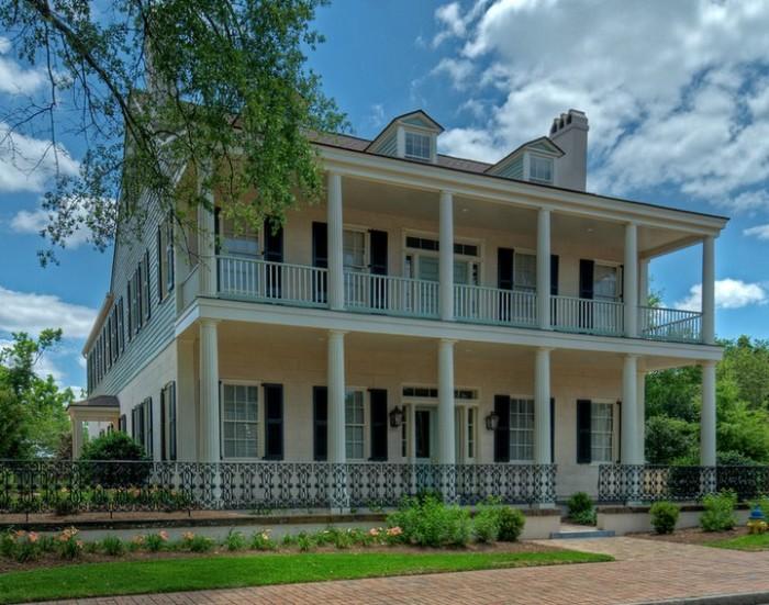 1. Fort Conde Inn - Mobile, Alabama