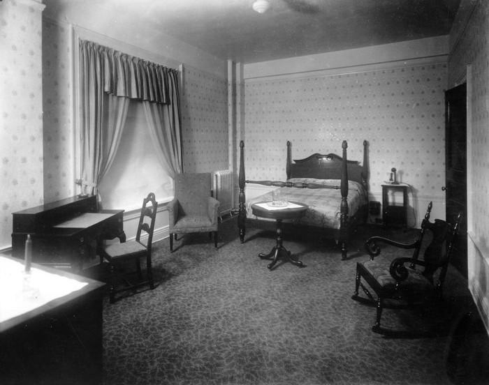 4. The Battle House Renaissance Hotel - Mobile, Alabama