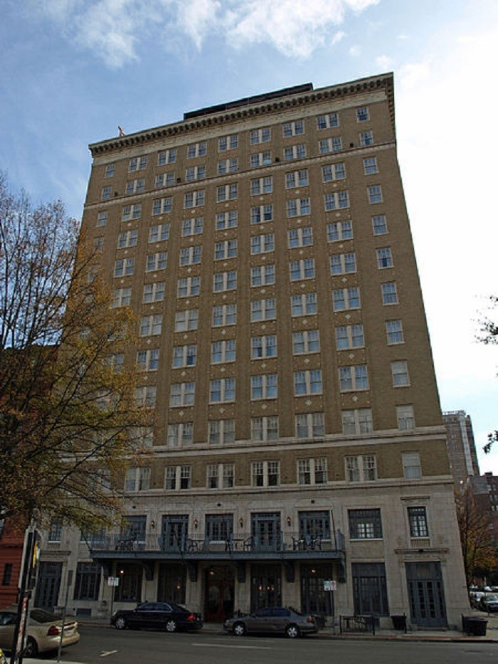 These 10 Haunted Hotels In Alabama Will Make Your Stay A Nightmare