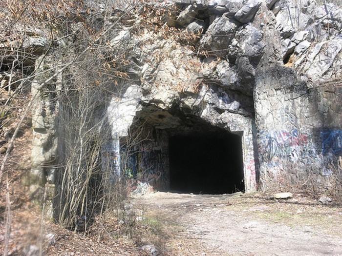 7. Bangor Cave - Blount County, AL