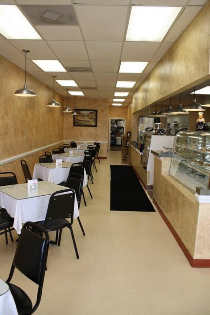 6. The Bake Shoppe Cafe & Grill - Robertsdale, Alabama