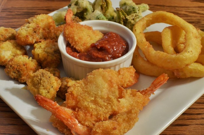 11. You'll hardly ever hear someone from Alabama order from the healthy menu. Fried foods all the way!