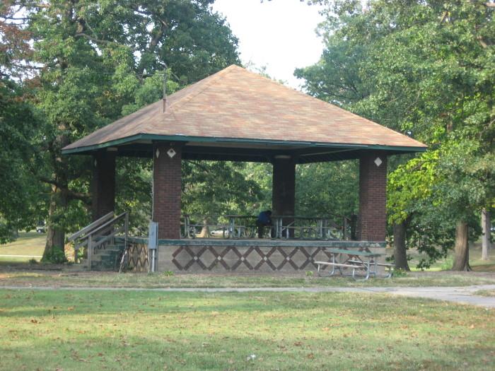Bandstand_in_Garvin_Park