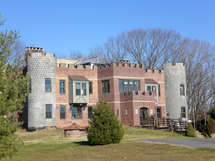These 10 unique houses in virginia will make you look twice for Houses that look like castles