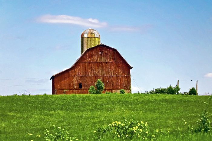 15) This beautiful red barn