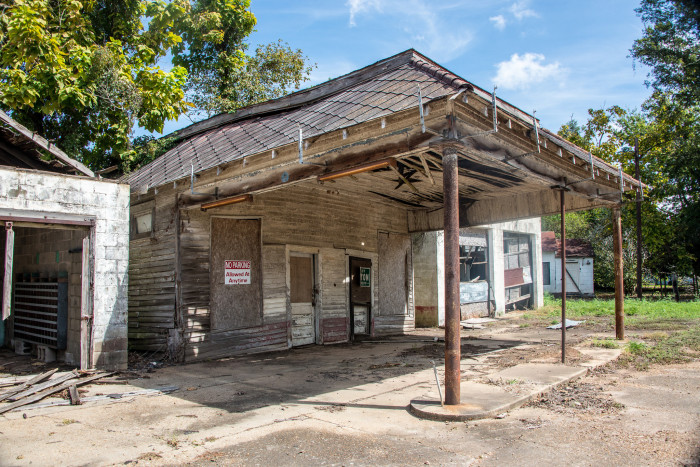 10 Abandoned Buildings In Louisiana You Just Have To See