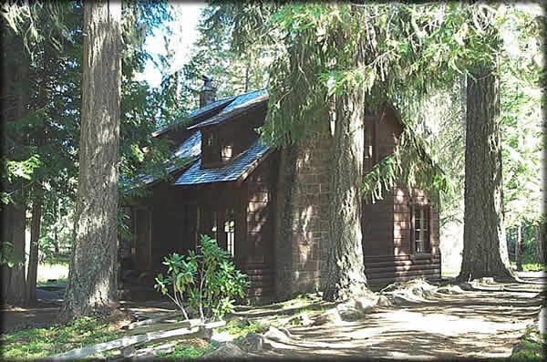8) Clackamas Lake Ranger House,Mount Hood National Forest