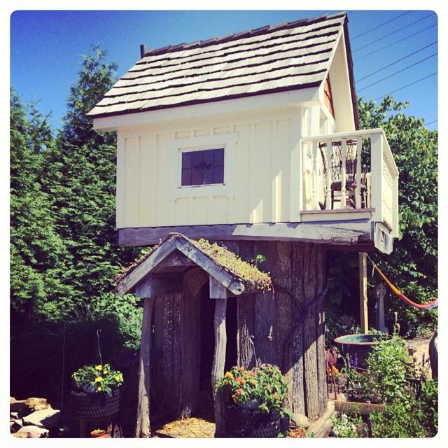 7. Tiny Tree House at Claudia's Garden, Paeonian Springs