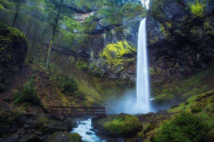 9) Columbia Gorge